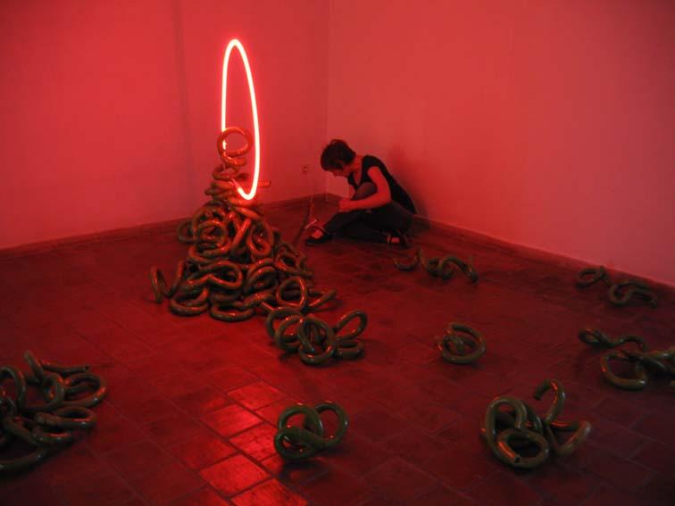 10 Arlette Simon installation biennale de Vallauris 2008